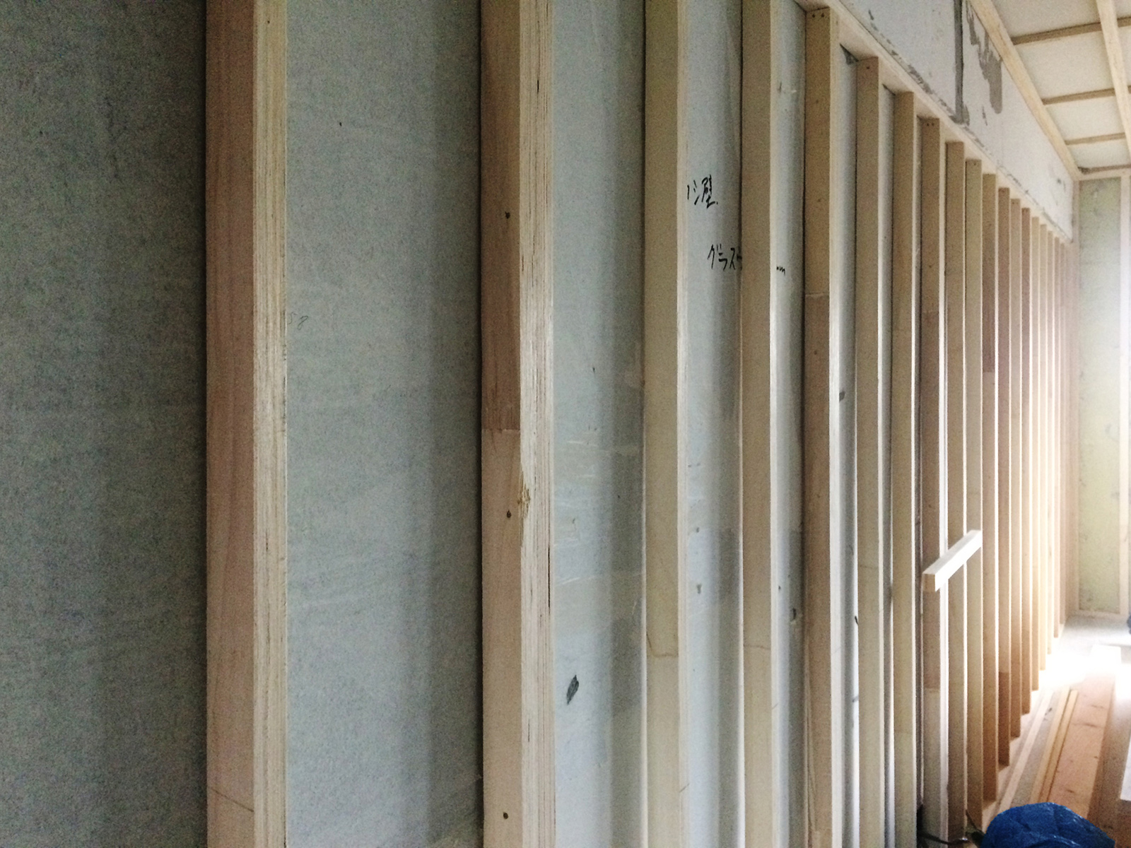 なかもずマンションのリノベーション、木組工事